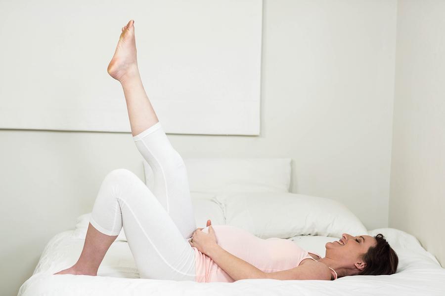 Noge u zraku dobra su vježba za sve trudnice koje se susreću s proširenim venama