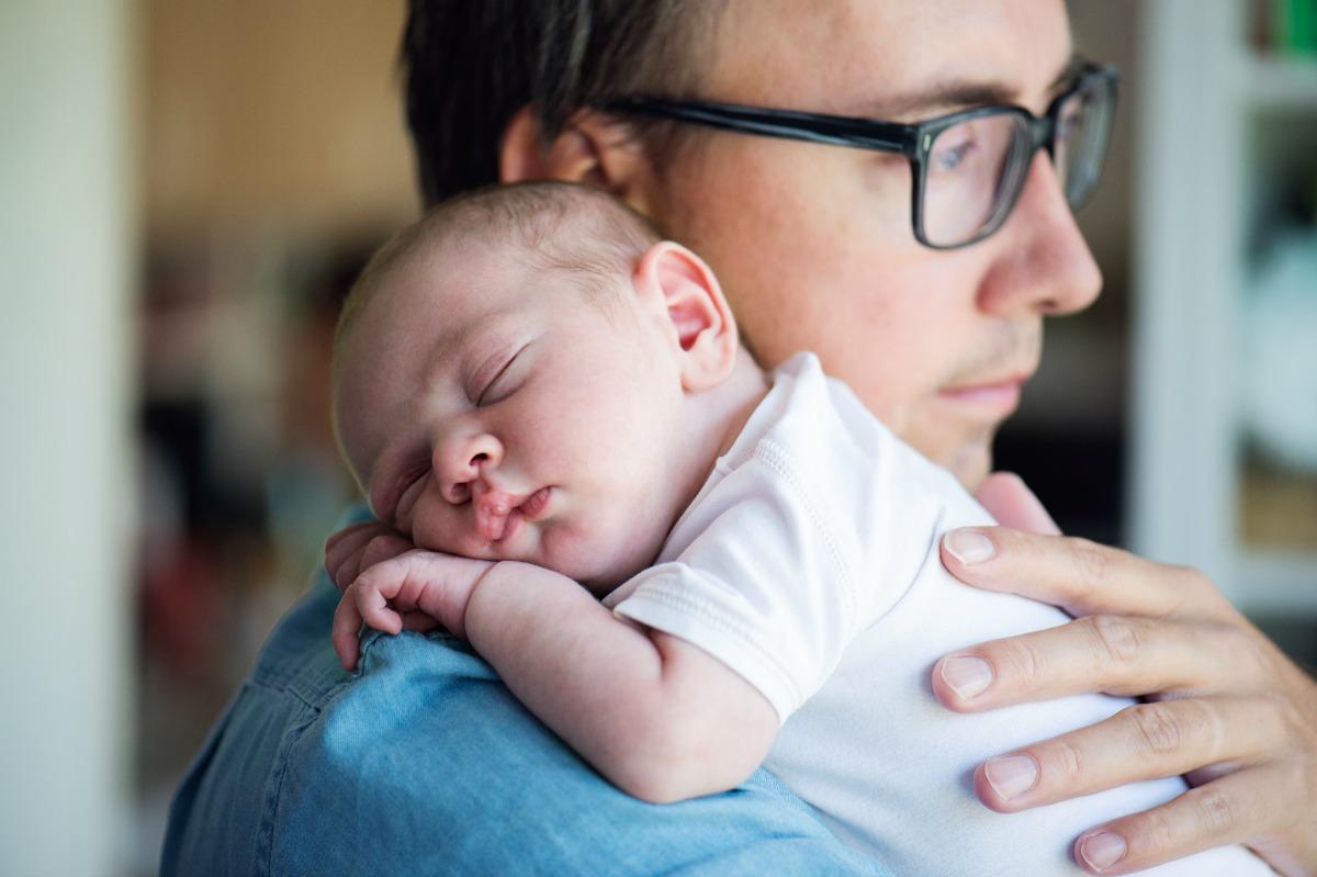 Bebice  koje se rode s rascjepom nepca ili zečijom usnom ne mogu sisati. Majčino mlijeko mogu piti iz posebnih bočica