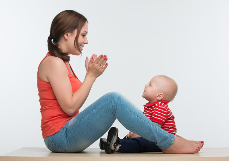 Pjevanje pomaže djetetu da zaspi, te da se emocijalno zbliži s roditeljima.