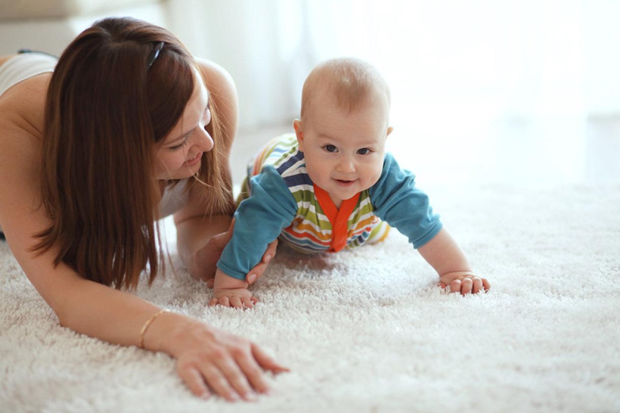 Vaša beba počinje polako sjediti i to joj daje uzbudljiv i nov pogled na svijet oko sebe.