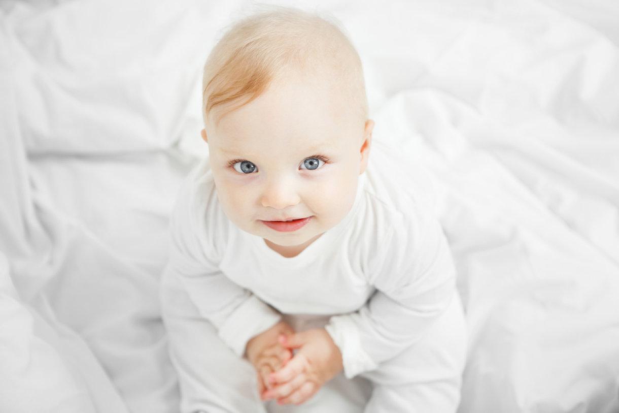 Zbog čega dolazi do tih promjena boje očiju kod malih beba?