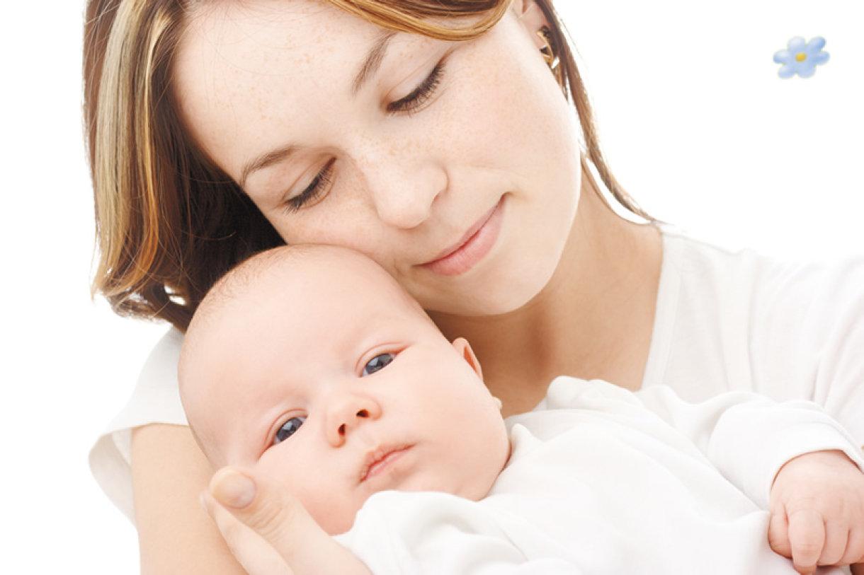 Na vrhu glavice novorođenčeta nalazi se ravan, mekani dio u obliku dijamanta koji se naziva fontanela.
