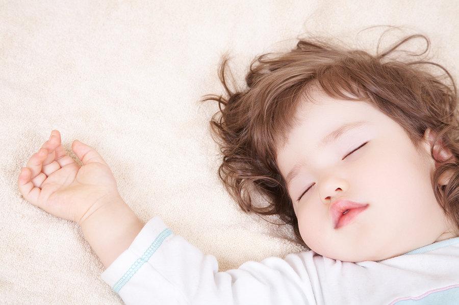 Roditelji često nisu sigurni spavaju li njihove bebe dovoljno.